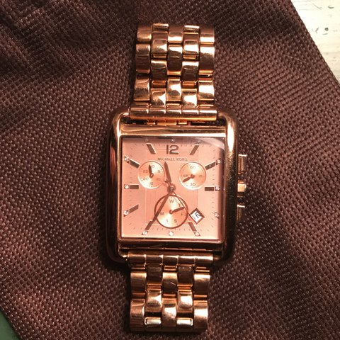 ddbbab246940 Stunning rose gold Michael Kors watch with square face. wear - Depop