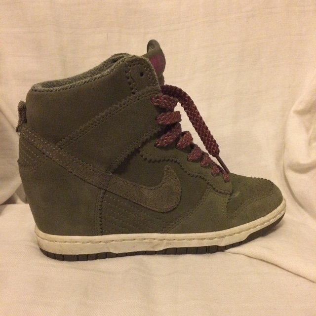 Nike Dunk High vede militare