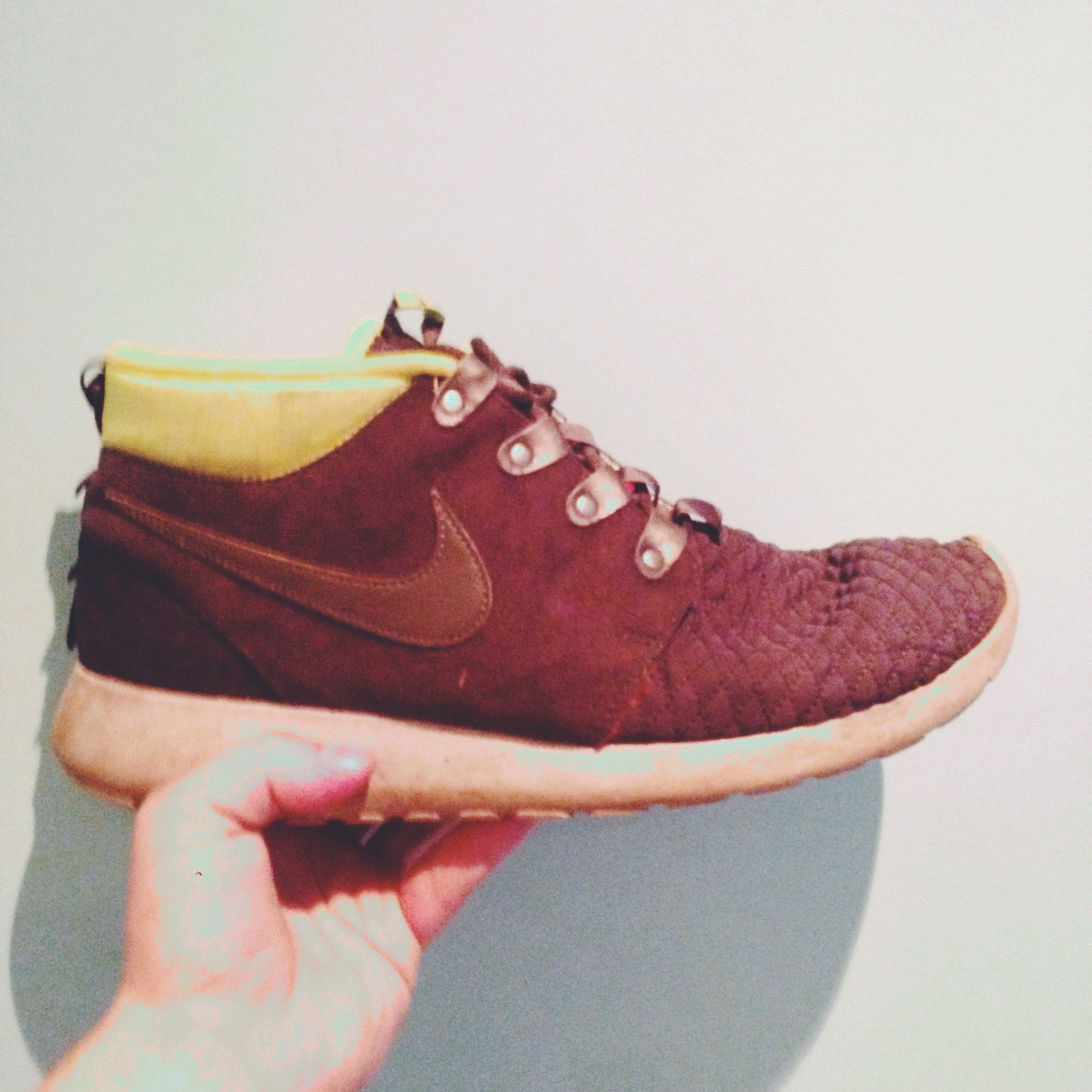 high top roshes
