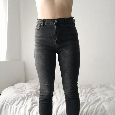 b8da01ce07e7d grey jeggings from PacSun! Size 28 but they're super so I a - Depop