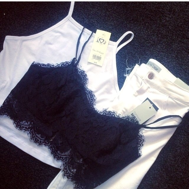 f7e771db44176 BLACK LACE BRALET CROP TOP! very similar to the topshop and - Depop