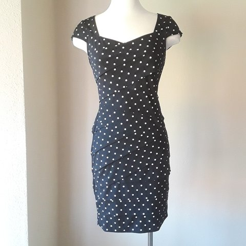 2942c95a74f Vintage looking polka dot dress by white house black market. - Depop