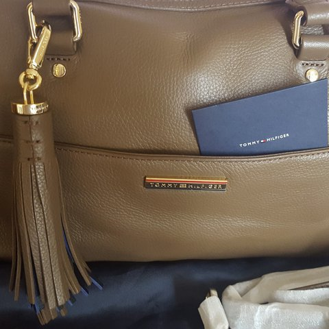 38702d4b41 Tommy Hilfiger Natalia Duffle bag new unused complete with - Depop