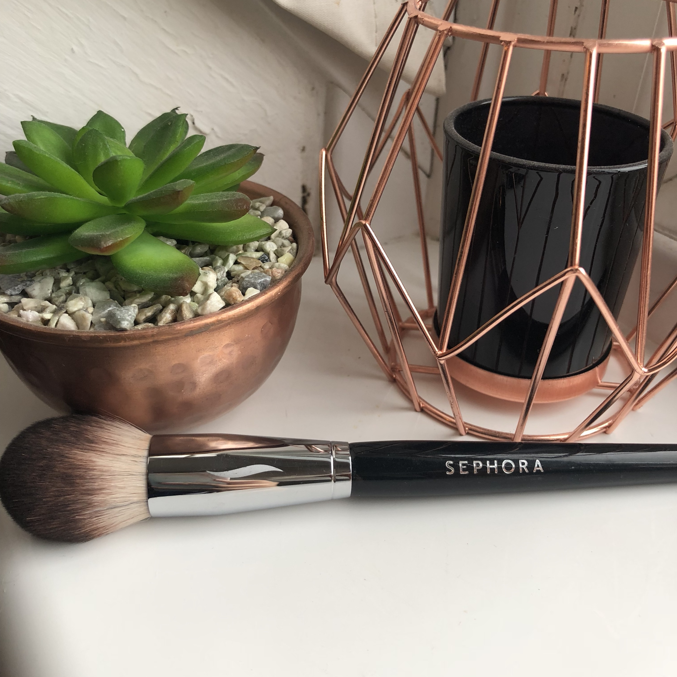 Pro Featherweight Complexion Brush #90 by Sephora Collection #16
