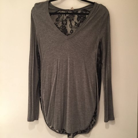 4b7081d77fa Wilfred aritzia grey with black lace top. Almost new. Size - Depop
