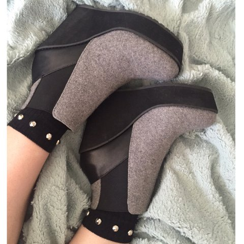 36fbf3d9d50 🚨 NEW REDUCED PRICE 🚨 NEW  SHELLYS LONDON gray and black