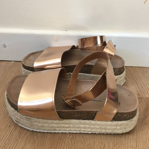 431900c2a2f FLATFORM ROSE GOLD SANDALS Size UK 4 message me for more - Depop