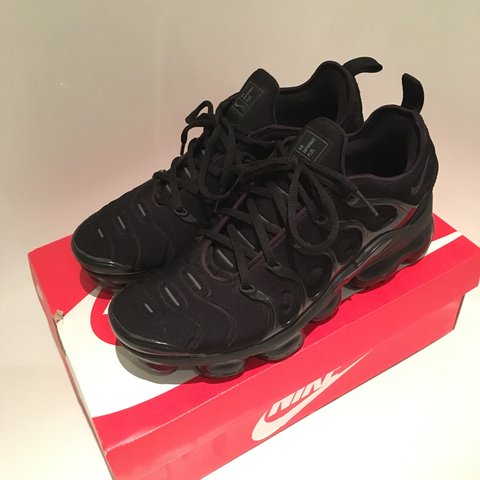 b1fe3655cff  PRICE DROP FOR QUICK SALE  Nike air vapormax plus
