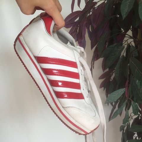 db873058e56b4c TOTAL Y2K 90s PLATFORM RED AND WHITE SNEAKERS! WOMENS SIZE - - Depop