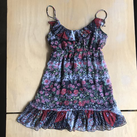 f1bc7299dc2 Forever 21 floral fit flare mini dress This dress is so fun - Depop