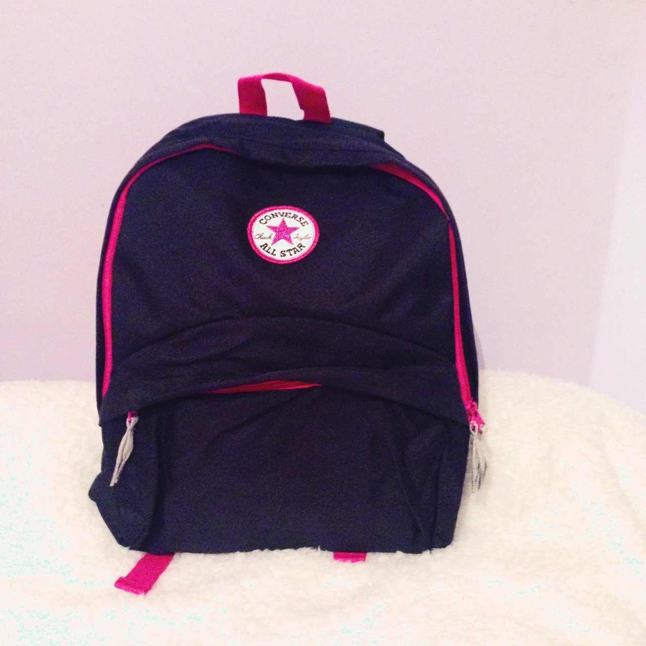 c4439e6100 All Star Converse rucksack. Never used and still with paid - Depop