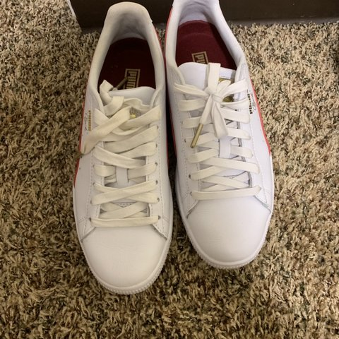 88a0077003fb Maroon and White Pumas Good Condition 8 10 Worn Twice