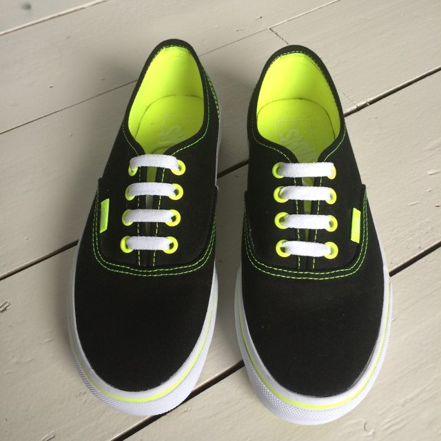VANS black and neon green. Unisex. UK size womens 4 2e0c65c8e