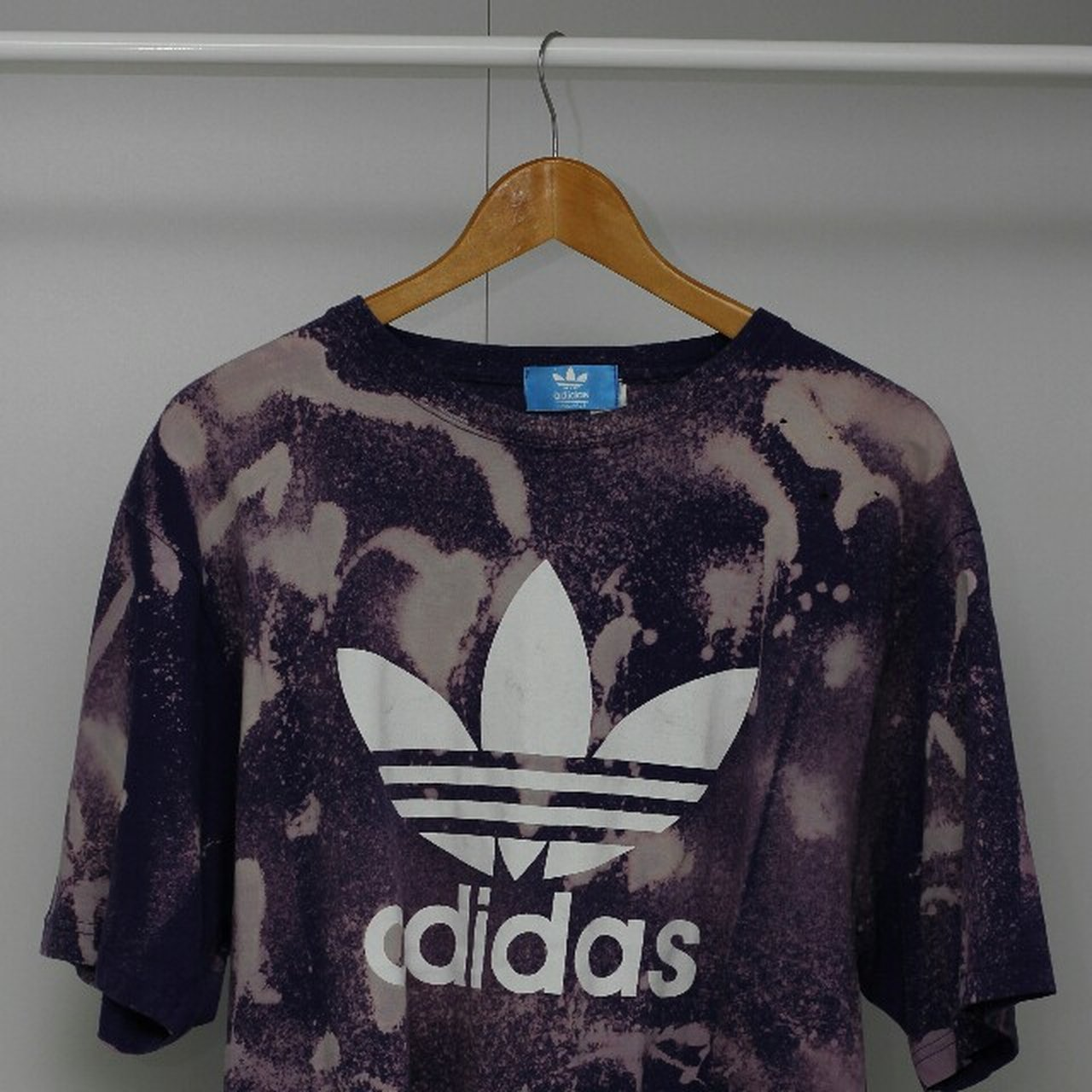 Distress The Holes Tshirt Depop Dye Tie On With Little Adidas Xl FOPqRwB