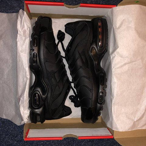 20b87cf1af 🔥🔥🔥 Nike Tuned 1 leather 🔥BLACK🔥 Got these in a UK , - Depop