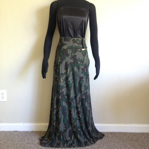 00a74603494 Never worn Beautiful Camo High Wasted Maxi Skirt Camouflage - Depop
