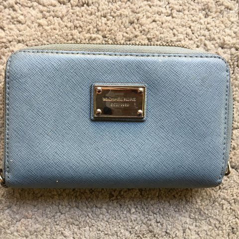 731dc7334f2e04 Genuine Pale blue small Michael kors purse perfect only as I - Depop