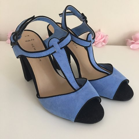 cce263882 @elovesmerrylegs. 2 years ago. Warwickshire, United Kingdom. Beautiful blue  new look shoes. Size 5 wide fit and only worn once ...