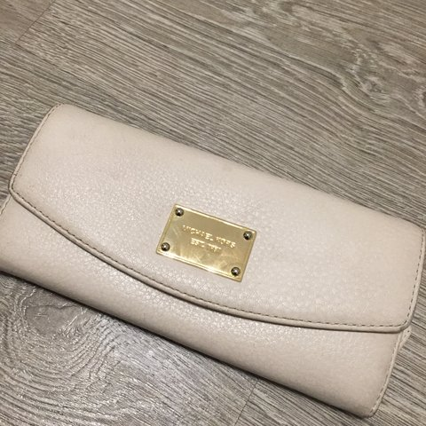 e128617a77d9 100% Genuine Michael Kors purse in cream leather. Used and a - Depop
