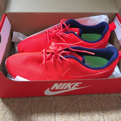 more photos 612b6 21601  gracie4star. 3 years ago. Leicestershire, UK. New women s Nike Roshe one  ...
