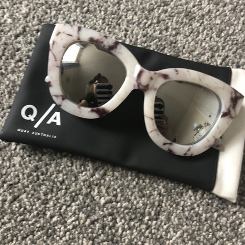 23424397d4 QUAY australia sunglasses! Brand new bever worn! Marble and - Depop