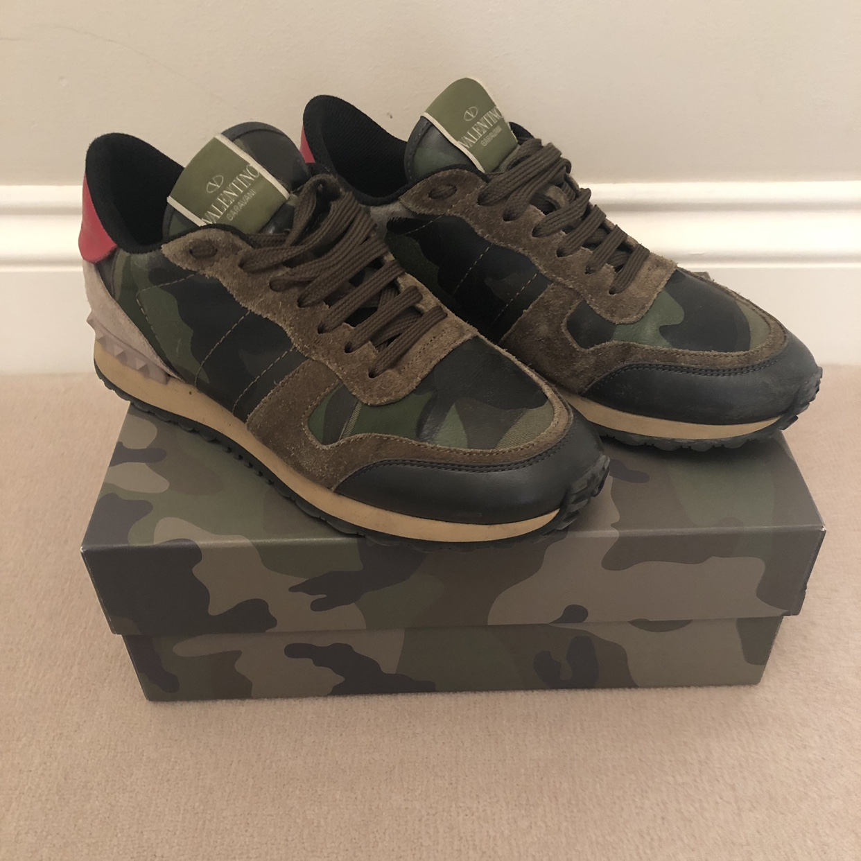 Genuine Valentino Trainers Size 5 would