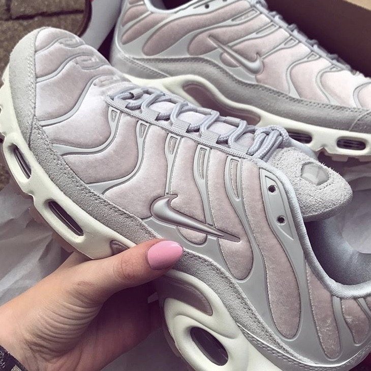 100% authentic 158ce ccc3d Velvet Baby Pink Nike Tns 💞 Perfect condition only... - Depop