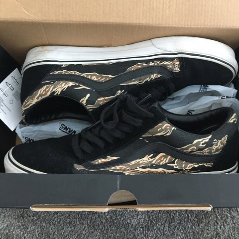 34784d6ab6 OLD SKOOL VANS Black suede tiger camo Size 9 Excellent 8 10 - Depop