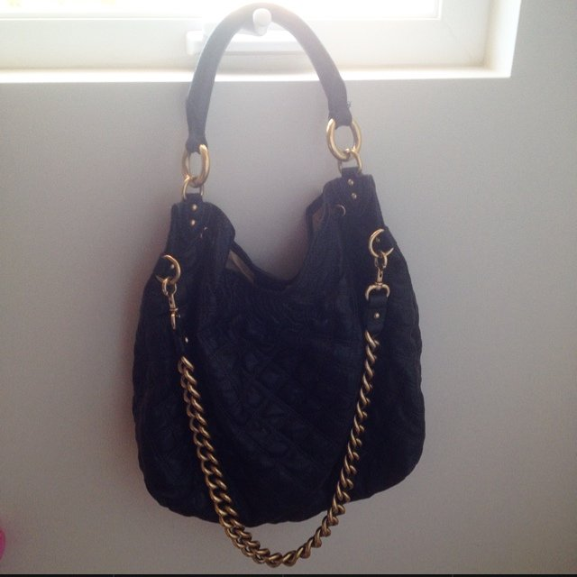 06f2514fa174 Marc Jacobs large quilted leather handbag with heavy gold on - Depop