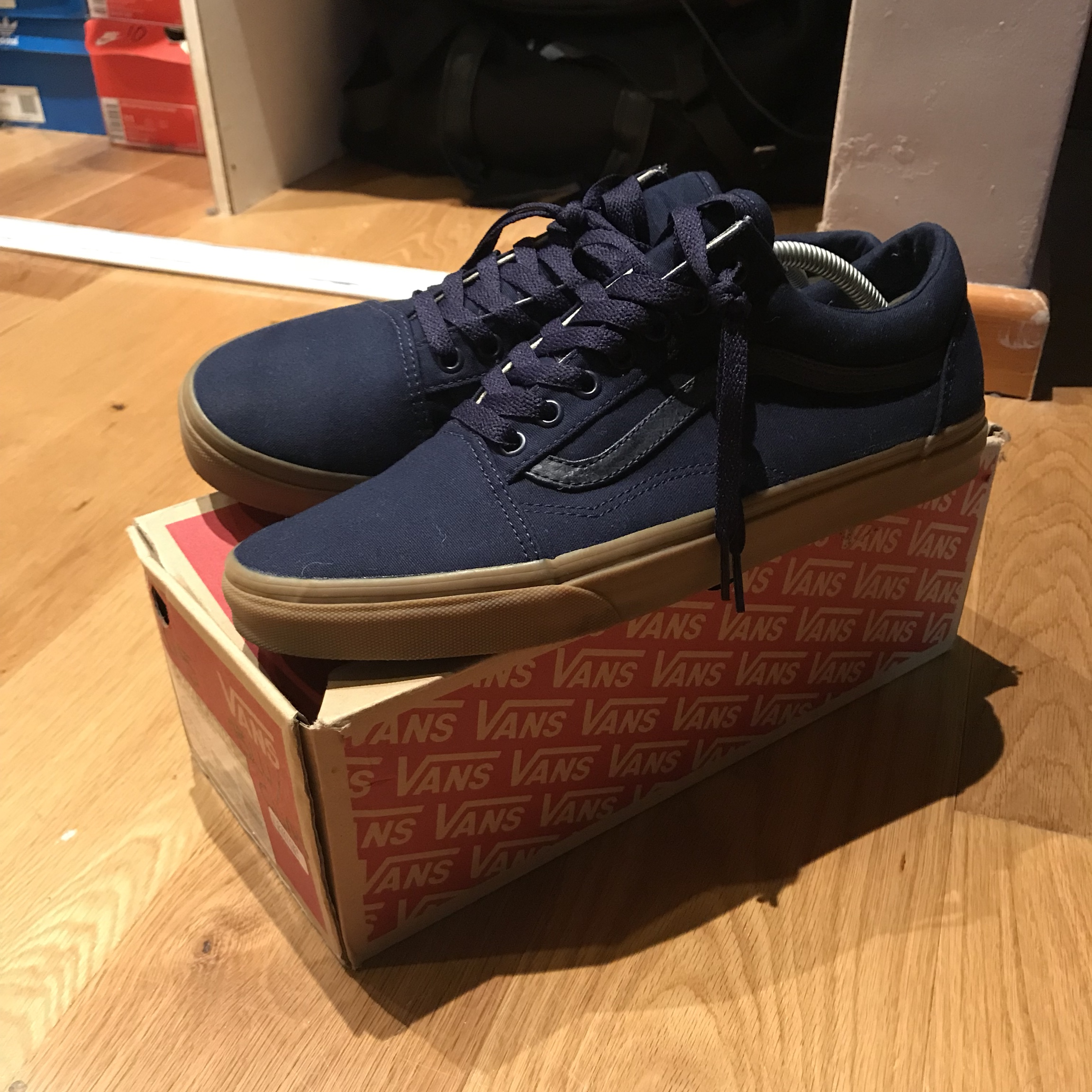 vans navy blue gum sole