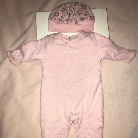 7147342e6 Baby Girls pale pink Kenzo Romper Set (matching hat   box ) - Depop