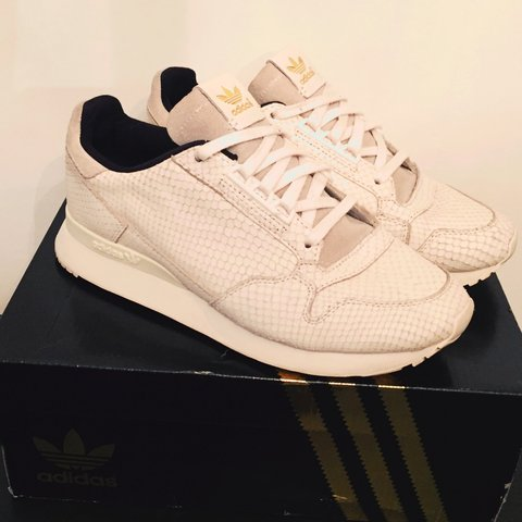 the best attitude d79ed 44fb3 @maihi. 2 years ago. London, UK. Adidas trainers Originals ZX 500 OG Snake  size 6. Cream leather trainers with ...