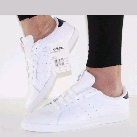 52ae891fc Adidas Womens Miss Stan Smith Trainers. UK Size 4.5