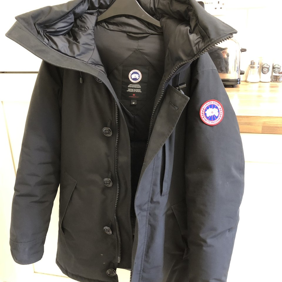 my parka Looking non fur to sellswap Canada Depop Chateau 6gYbf7yv