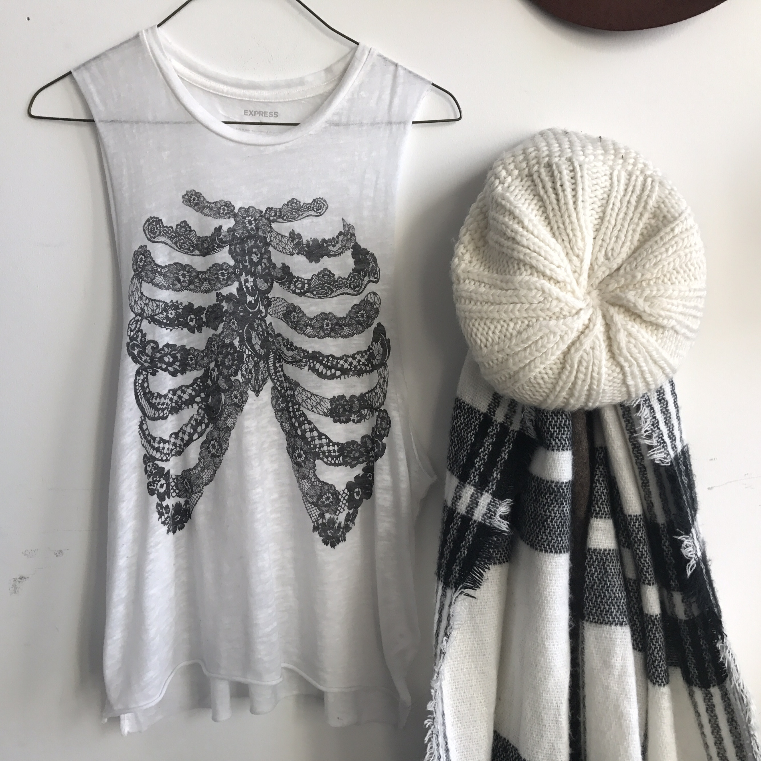 Express skeleton muscle tank  Beautiful skeleton    - Depop