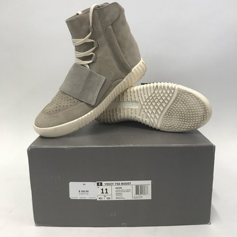 5dbcd8d9041ce Yeezy 750 Boost - Light Grey OG 100% Authentic - Direct box - Depop