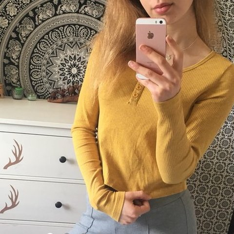 36ed88c452413e @anb123. 10 months ago. London, United Kingdom. Mustard yellow ribbed long  sleeve button crop top.