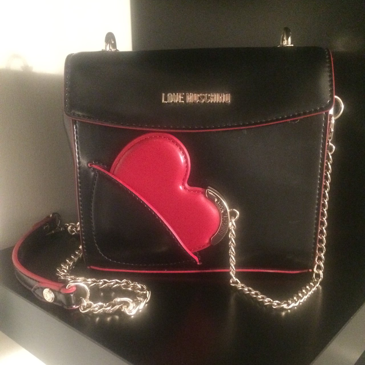 d62050141d8b0 Love Moschino bag with heart mirror. Never been used. Brand - Depop