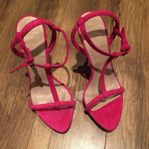 9539488578ee Barely there with small platform fushia pink sandals, never - Depop