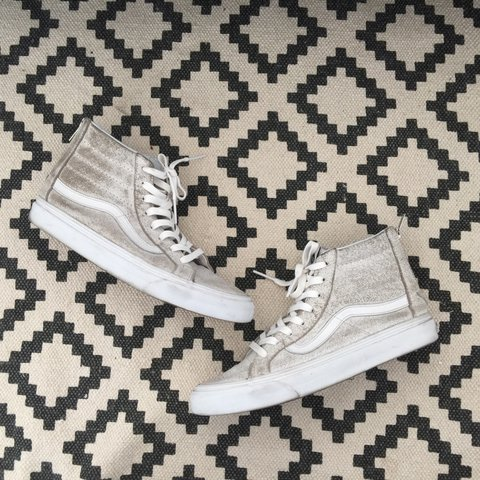 Vans Sk8 Hi cracked leather sneakers shoes in white. Size of - Depop 9dca07fff