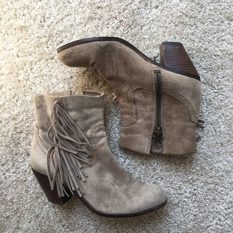 146a78862 Sam Edelman fringe suede booties. These have been loved but - Depop