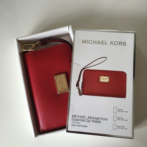 3a1755841576 @robynmaddocks. 3 years ago. Liverpool, Merseyside, UK. Brand new Michael  Kors essentials zip wallet ...
