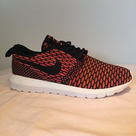 new product af5d0 bde1f  emmaperksy. 3 years ago. Chelmsford, UK. Real rare Nike Roshe Flyknit  trainers ...