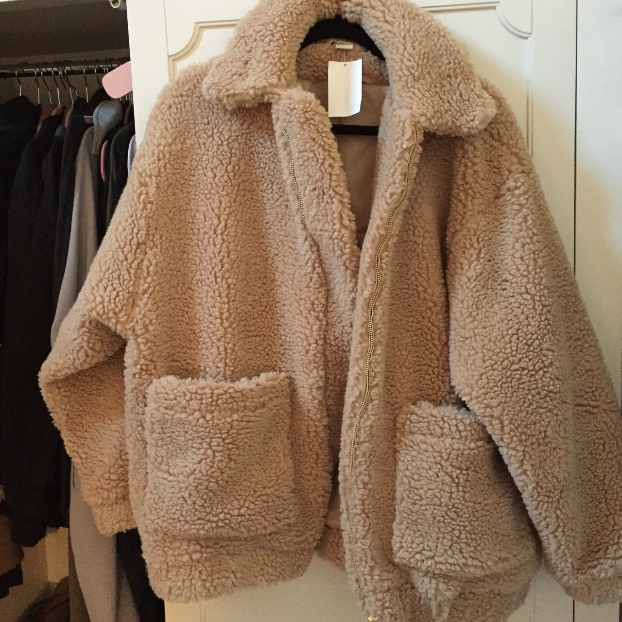 pretty cool famous brand aliexpress Woman's H&M short pile coat, shearling, completely... - Depop