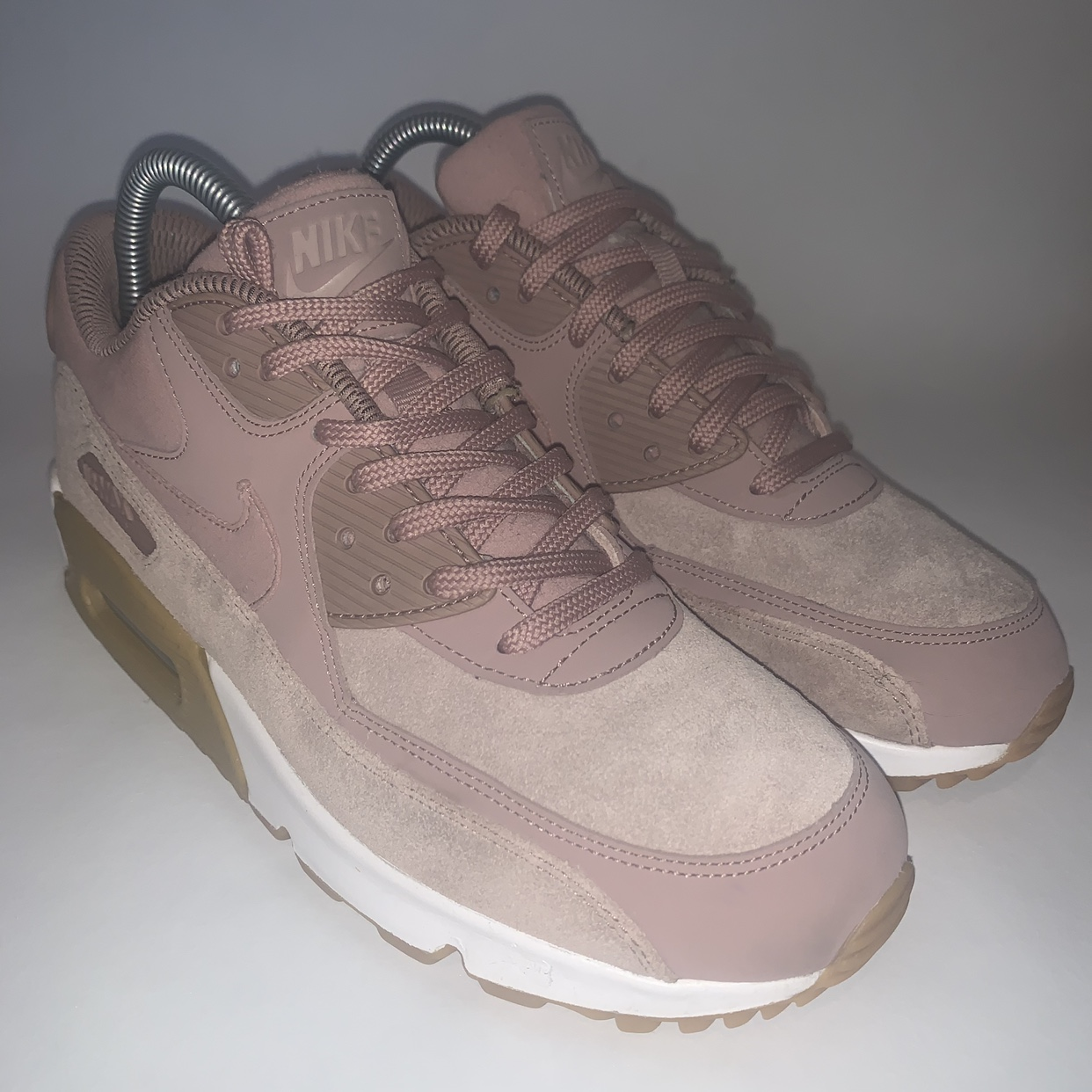 NIKE AIR MAX 90 BABY PINK BAIGE </p>                     </div> 		  <!--bof Product URL --> 										<!--eof Product URL --> 					<!--bof Quantity Discounts table --> 											<!--eof Quantity Discounts table --> 				</div> 				                       			</dd> 						<dt class=