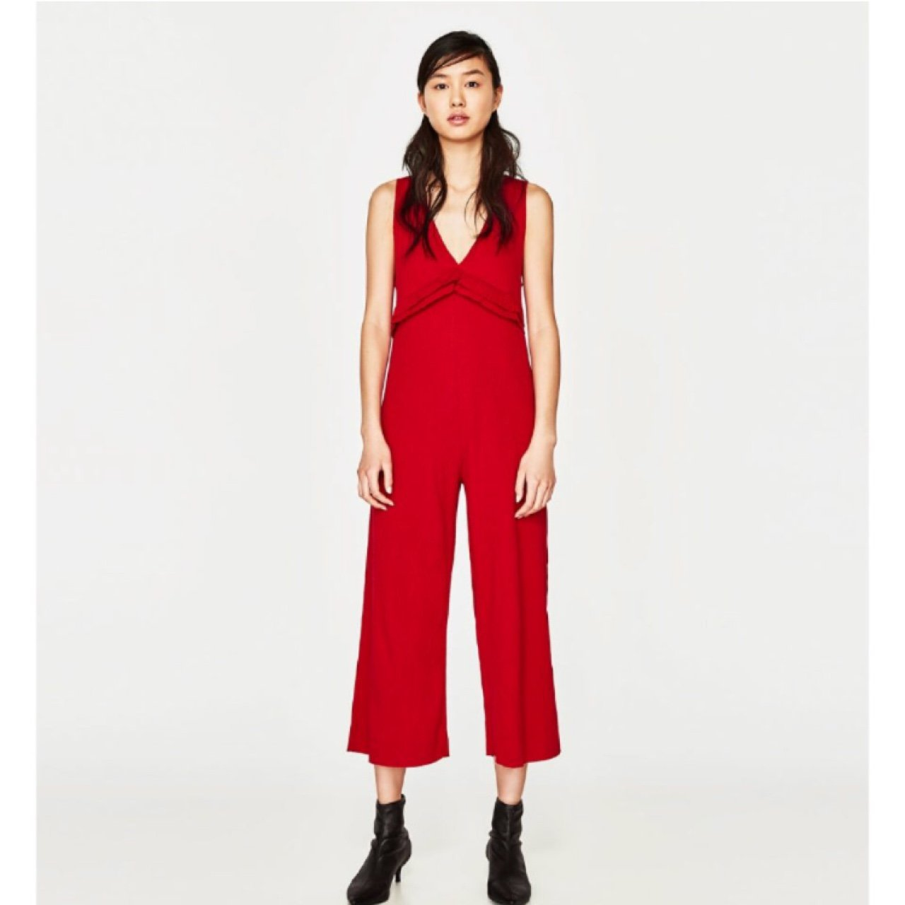 5efba1e2dc2 Anyone selling this Zara jumpsuit