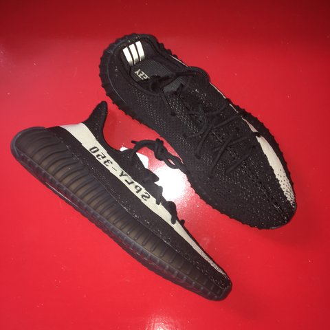45e08ea9f8397 Yeezy 350 Oreo black and white Kanye west it is dswt have - Depop