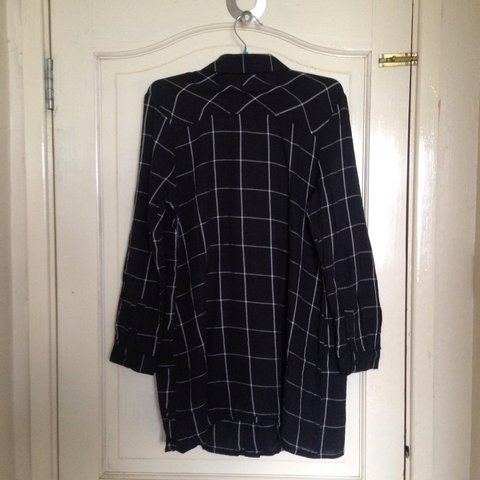 029e7611ab5b long black checkered shirt in perfect condition. it s size a - Depop