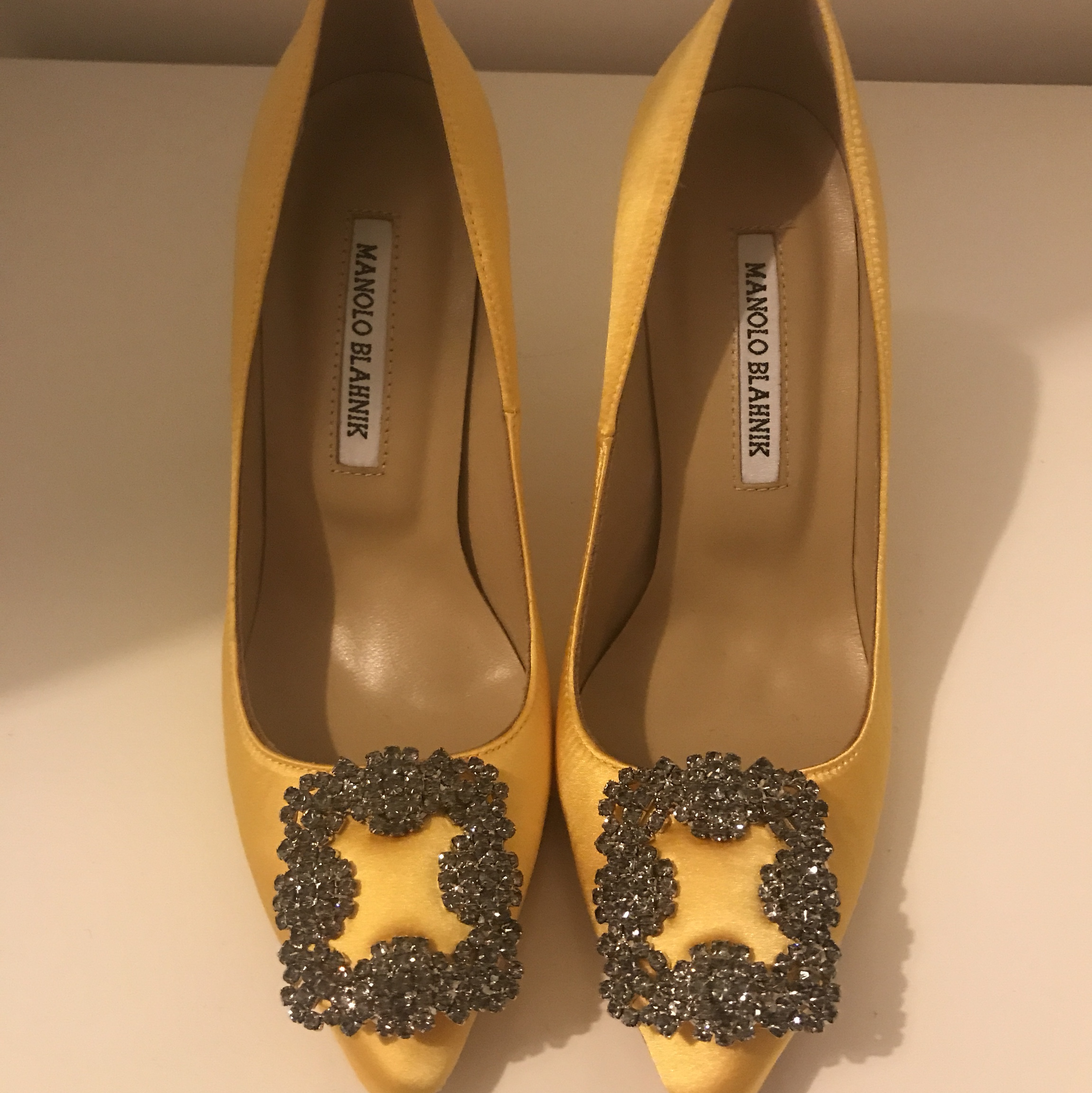 37361ab2dbcc4 Manolo Blahnik Size 4 Yellow Hangisi Good condition - Depop