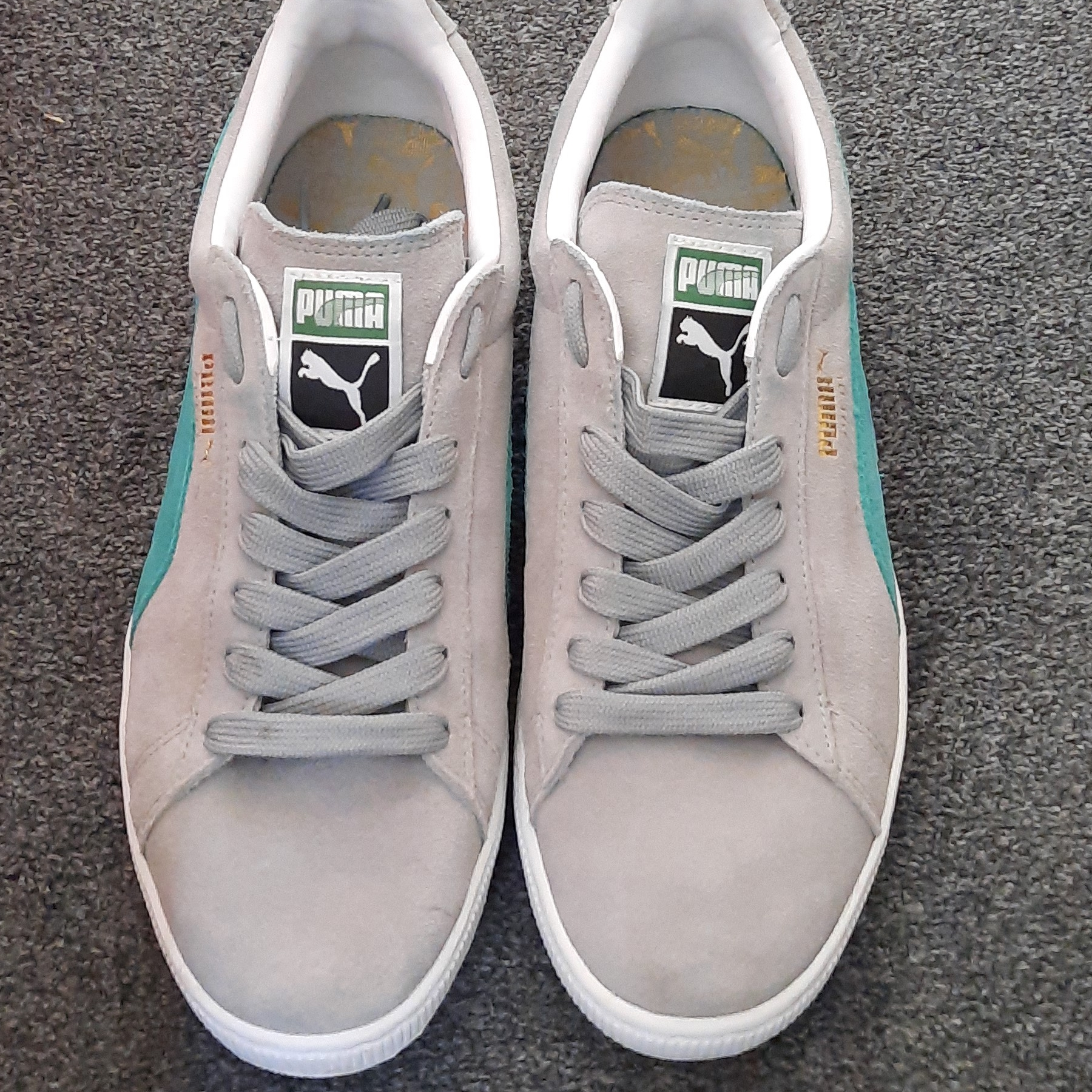 MENS Puma Trainers - size 9 Suede